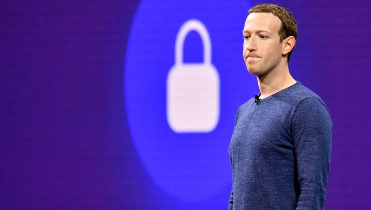 La red social de Zuckererg se ha visto envuelta en varios escándalos de filtración de datos de usuarios desde el año pasado. (Foto Prensa Libre: HemerotecaPL)