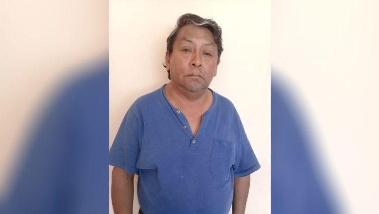 El sacerdote José Venancio Boror Uz fue detenido en El Salvador por supuestamente agredir sexualmente a una niña de 6 años. (Foto Prensa Libre: Tomada de la PNC de El Salvador)