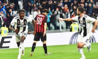 Turin (Italy), 06/04/2019.- Juventus' Moise Kean (L) celebrates after scoring the 2-1 during the Italian Serie A soccer match between Juventus FC and AC Milan in Turin, Italy, 06 April 2019. (Italia) EFE/EPA/ANDREA DI MARCO