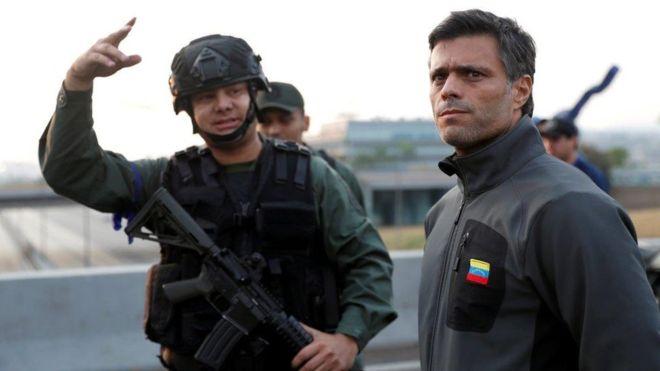 """Leopoldo López fue liberado esta martes, según el político """"por fuerzas militares leales a la constitución"""".  REUTERS"""