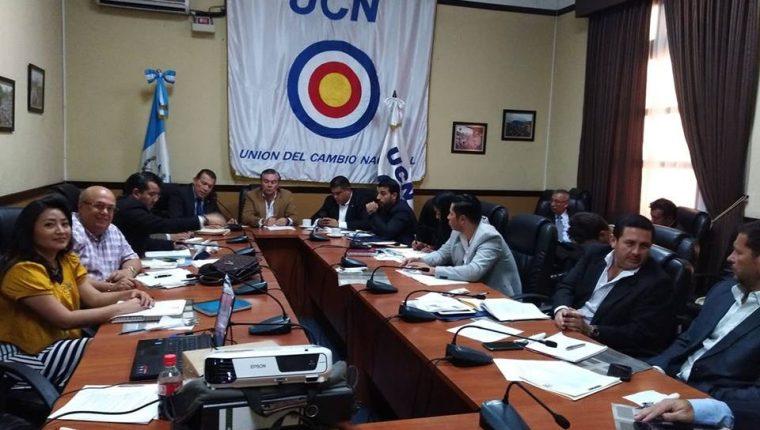 Diputados de la UCN también se distanciaron del candidato mario Estrada. (Foto Prensa Libre: Hemeroteca PL)