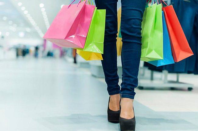 Las mujeres tienen una tendencia a la búsqueda de marcas que resalten su singularidad. (Foto Prensa Libre: Shutterstock)