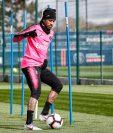Neymar, durante el entrenamiento de este miércoles. (Foto Prensa Libre: Twitter PSG)