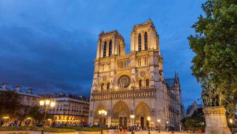 La hermosa catedral fue construida a partir de 1163. (Foto Prensa Libre: Servicios)