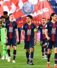 Con el diseño de la camisola de Notre Dame celebraron los jugadores del PSG el octavo título de liga en la historia del club. (Foto Prensa Libre: PSG)