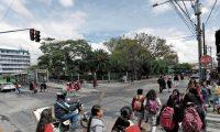 El parque Infantil Colón ocupa una manzana, entre la 8a. y 9a. calles y la 11 y 12 avenidas, zona 1. (Foto Prensa Libre: Érick Ávila)