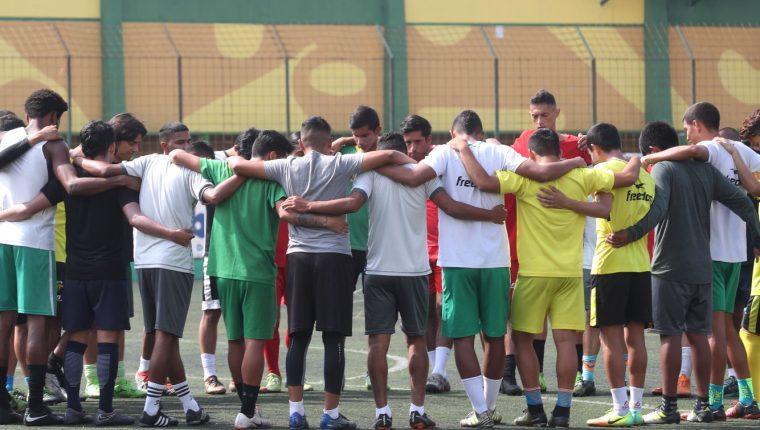 Petapa confía cerrar con dignidad su aventura en la Liga Nacional, pues la Primera División los espera. (Foto Prensa Libre: Edwin Fajardo).
