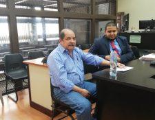 El exdiputado Alfredo Augusto Rabbé Tejeda -izquierda- junto con su abogado Octavo Cuevas. (Foto Prensa Libre: Kenneth Monzón)