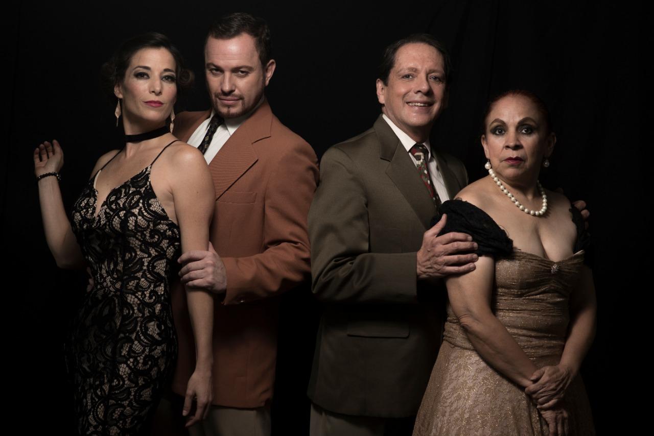 Los actores Mertxe Alzaga, Erick Frías, Francisco Almorza y Gloria Marina en Querida, el musical.  (Foto Prensa Libre: Quinta Columna)