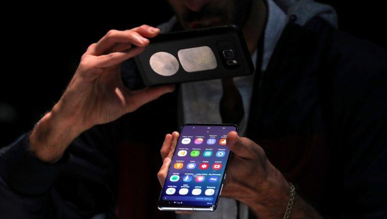 Samsung puso a la vente este jueves (viernes en Corea del Sur) su dispositivo Galaxy S10, para al cual hay planes de datos 5G. (Foto Prensa Libre: HemerotecaPL)