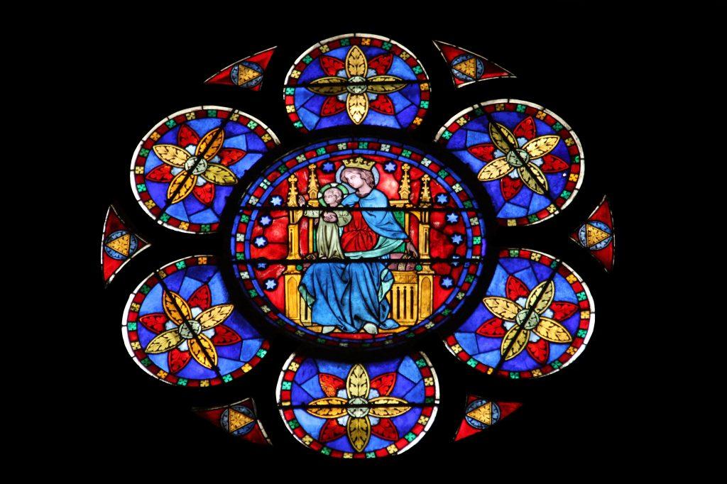 Varios ventanales destacan por sus finos detalles. Foto Prensa Libre: Shutterstock