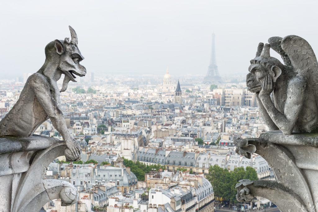 Las gárgolas siempre vigilantes son un ícono de la cultura francesa. Foto Prensa Libre: Shutterstock
