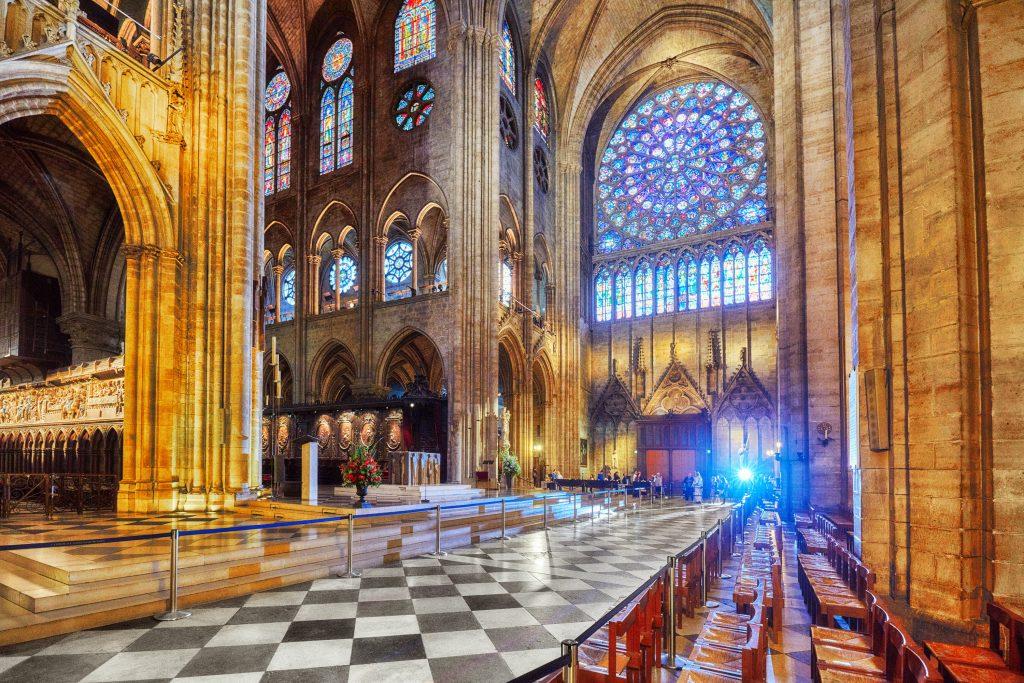 Columnas gigantes sostienen la estructura de la Catedral. Foto Prensa Libre: Shutterstock