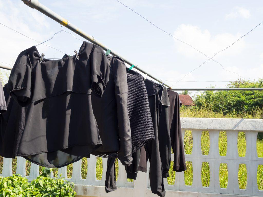 Consejos para que la ropa negra mantenga su color – Prensa Libre