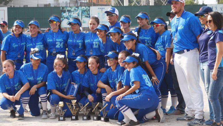La Selección Sub 16 conquistó el segundo puesto en el Centroamericano de Softbol. (Foto Cog).