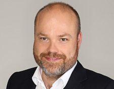 Anders Holch Povlsen es el dueño de las cadenas de ropa Bestseller, el mayor accionista del portal de moda Asos y el segundo en Alemania de Zalando, otro sitio de ropa en internet.  ZALANDO