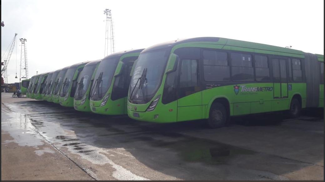 Los 35 buses articulados que arribaron desde Brasil serán utilizados en las distintas rutas del Transmetro.(Foto Prensa Libre: cortesía)