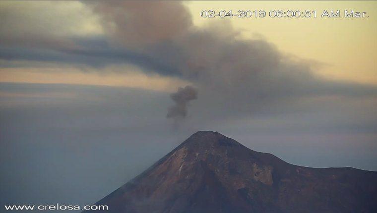 Vista del Volcán de Fuego en el 2018 por medio de la aplicación Google Earth Timelapse. (Foto Prensa Libre: Google)
