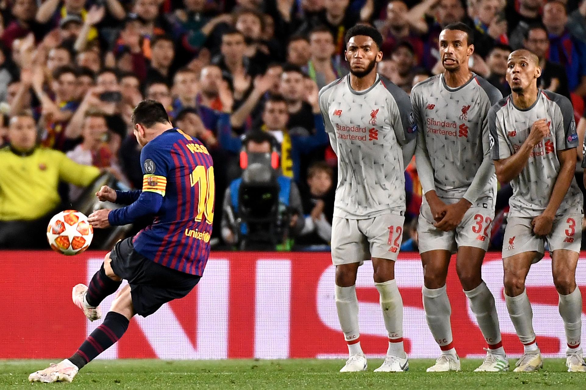 Lionel Messi anotó de tiro libre para sentenciar el partido en la ida de las semifinales entre el FC Barcelona y el Liverpool. (Foto Prensa Libre: AFP)