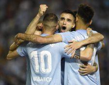 Iago Aspas celebra después de anotar de penalti para el Celta de Vigo contra el FC Barcelona. (Foto Prensa Libre: AFP)
