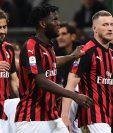 El AC Milán se mostró intermitente pero impulsado por sus aficionados superó al Bolonia. (Foto Prensa Libre: AFP)