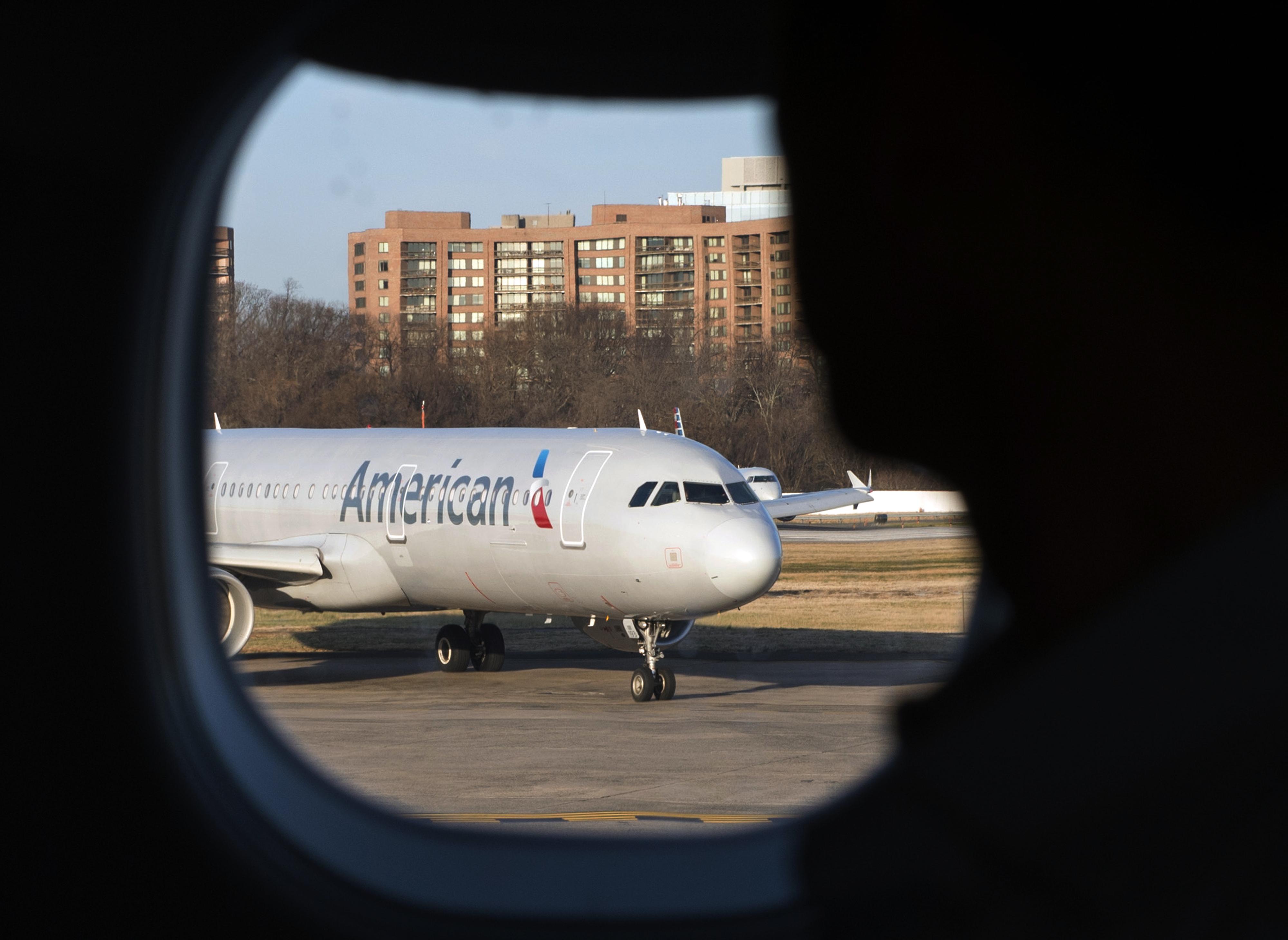 Estados Unidos suspende vuelos comerciales y de carga con Venezuela. (Foto Prensa Libre: AFP)