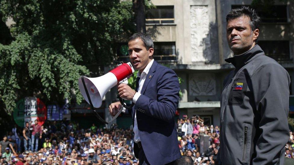Guaidó y Leopoldo López sorprendieron a los venezolanos con su llamado a movilización del martes.