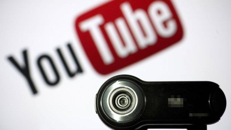 """YouTube eliminó algunos videos en los que se promocionan """"soluciones milagrosas"""" que pueden perjudicar la salud para curar enfermedades. (GETTY IMAGES)"""