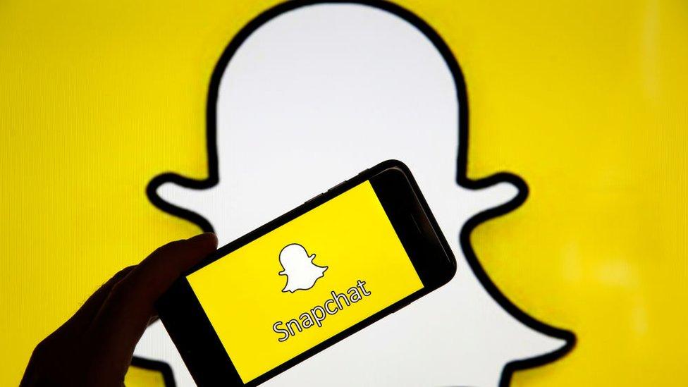 Snapchat ha señalado que la función de estos nuevos filtros está destinada a ayudar a los usuarios a expresarse.