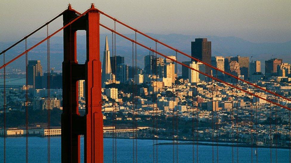 El salario promedio más alto del mundo se paga en San Francisco, California.