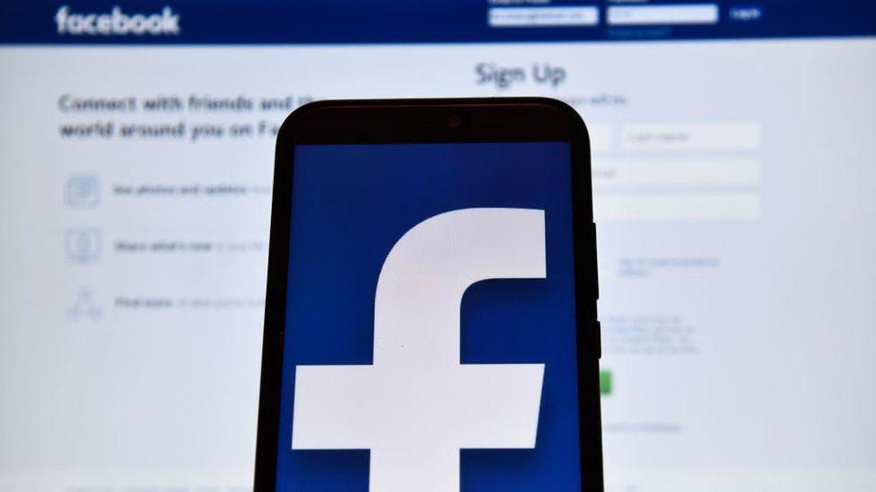 Facebook removió 256 cuentas y vetó a Archimedes Group por actividades html5-dom-document-internal-entity1-quot-endcoordinadas de comportamiento ficticio.html5-dom-document-internal-entity1-quot-end