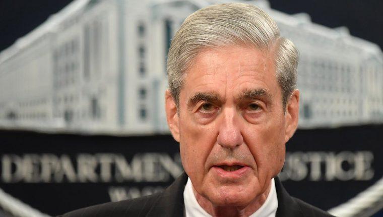 Robert Mueller compareció públicamente por primera vez desde el comienzo de la investigación de la llamada trama rusa. (Foto Prensa Libre: AFP)