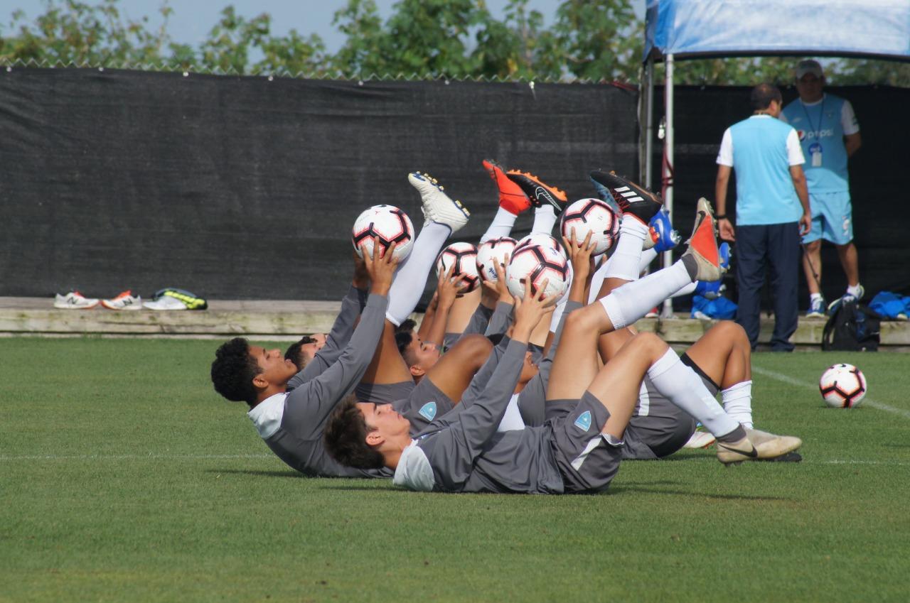 La Selección Sub 17 volvió al entrenamiento este viernes y se enfoca en el próximo rival de la Concacaf. (Foto CDG).