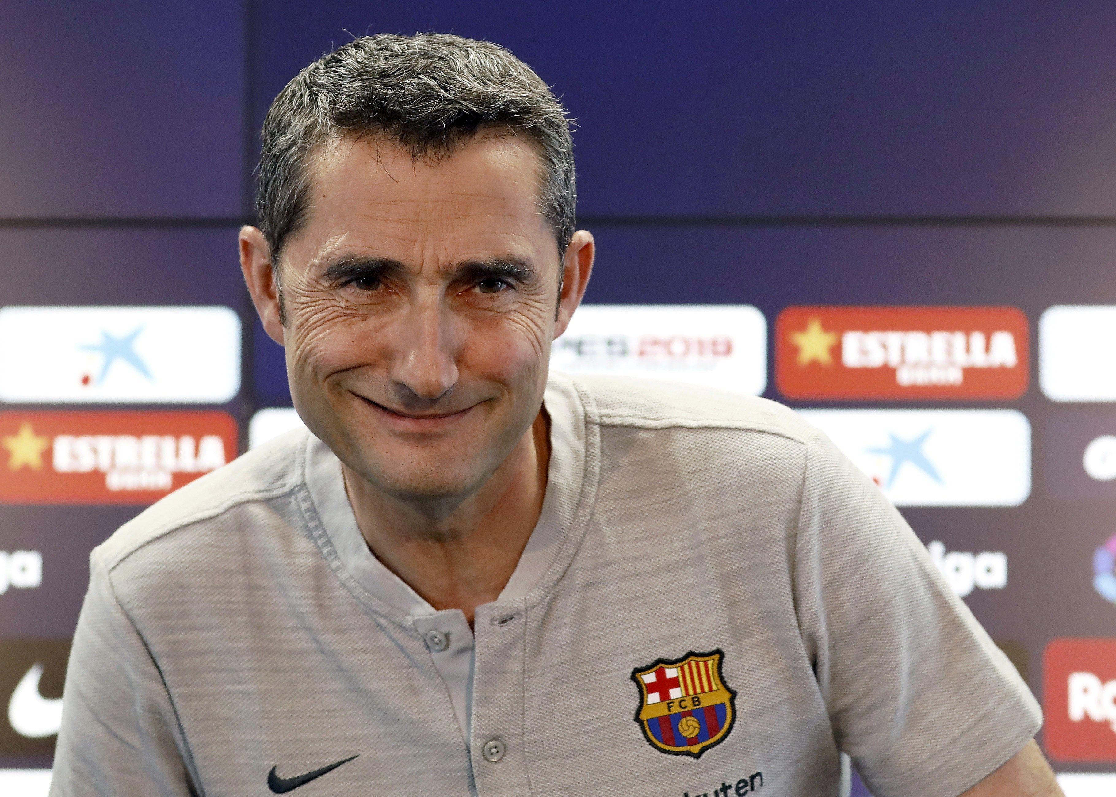 El técnico del Barcelona Ernesto Valverde confiesa que no ha podido olvidar el partido frente al Liverpool. (Foto Prensa Libre: EFE)