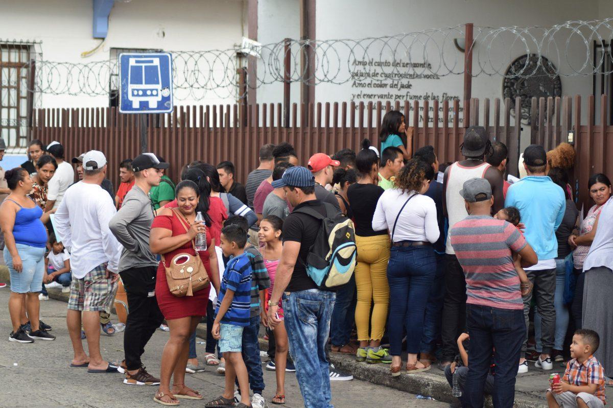 Fuerte rechazo de guatemaltecos a acuerdo para recibir migrantes