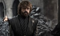 """MIA30. LOS ÁNGELES (CA, EEUU), 17/05/2019.- Fotograma cedido por el canal HBO donde aparece Peter Dinklage, como Tyrion Lannister, durante una escena del sexto episodio de la octava temporada de la serie """"Game of Thrones"""" del canal HBO que se emitirá el próximo domingo. Ocho temporadas después y ya coronada como la producción más grande de la historia de la televisión, """"Game of Thrones"""" se despide este domingo, parafraseando a Daenerys, entre el amor y el miedo: el deseo de sus fans de ver el final y su temor a que no esté a la altura de sus expectativas. EFE/Helen Sloan/HBO/SÓLO USO EDITORIAL/NO VENTAS"""