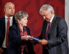 Alicia Bárcena y el presidente de México, Andrés Manuel López Obrador, el día de la presentación del plan, el pasado 20 de mayo. (Foto Prensa Libre: Hemeroteca PL)