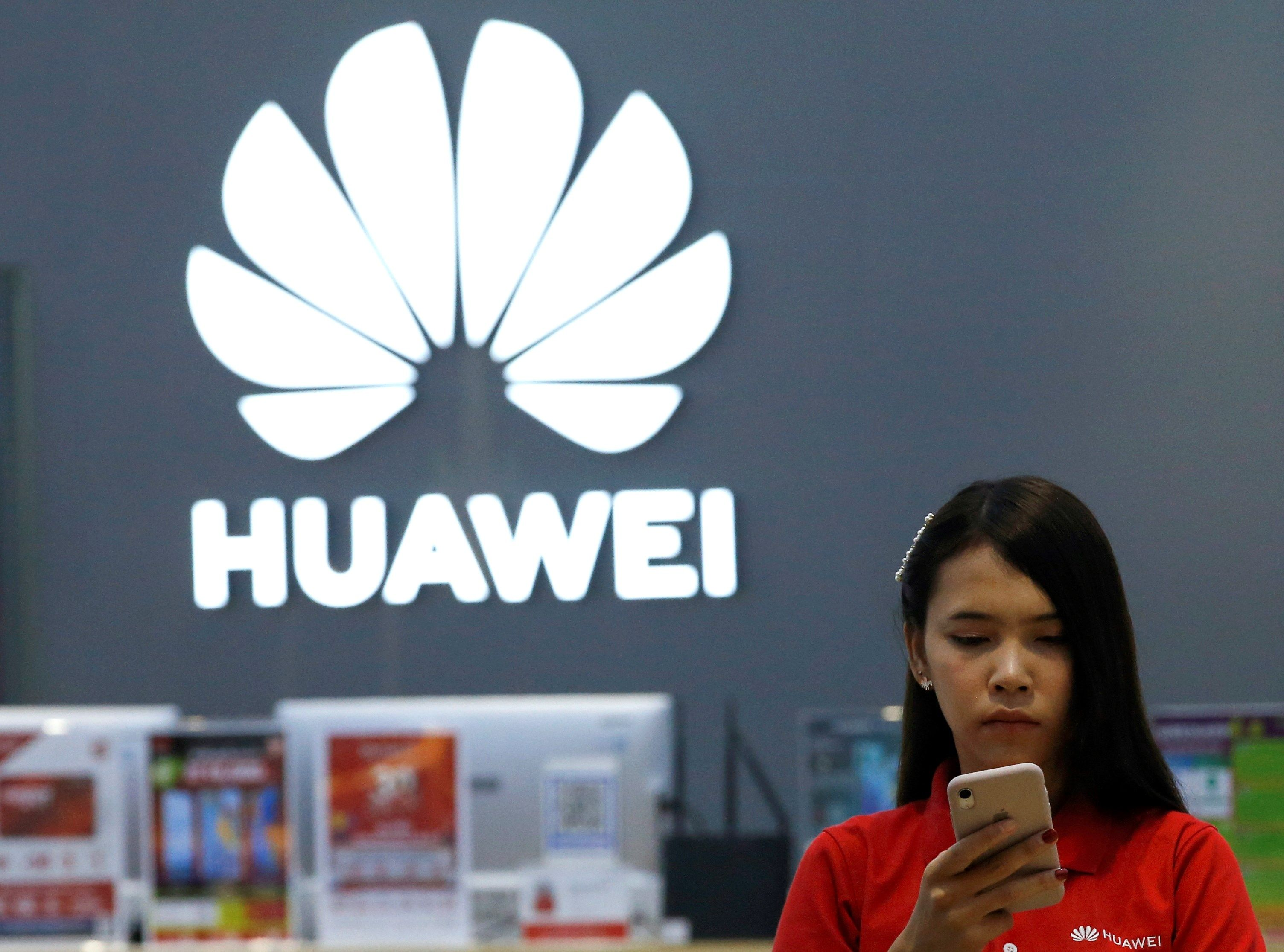 Huawei continuará ofreciendo servicios de Google (Foto Prensa Libre: EFE).