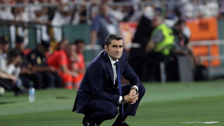 El entrenador del FC Barcelona, Ernesto Valverde, durante la final de la Copa del Rey. (Foto Prensa Libre: EFE)