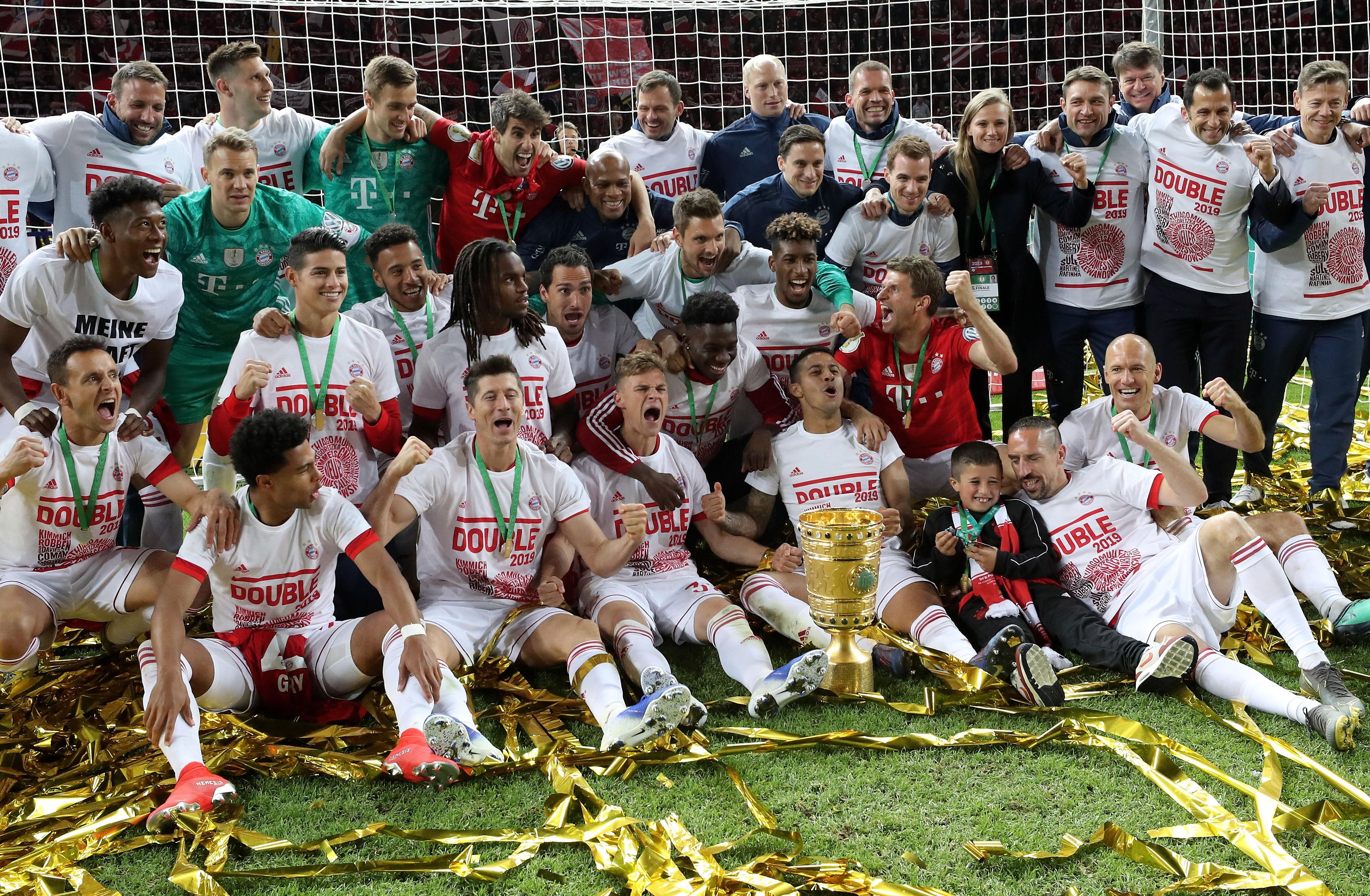 Así festejaron los jugadores del Bayern Múnich. (Foto Prensa Libre: EFE)