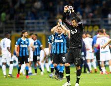 Los jugadores del Inter de Milán festejaron así. (Foto Prensa Libre: EFE)