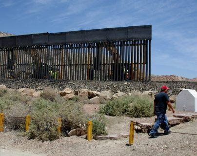 La construcción de un muro es la principal oferta de campaña del presidente Donald Trump. (Foto Prensa Libre/ EFE)