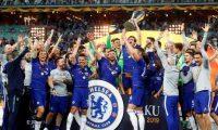 EPA4166. BAKU (AZERBAIYÁN), 29/05/2019.- Los jugadores de Chelsea celebran su victoria este miércoles, al final del juego entre Chelsea FC y Arsenal FC por la final de la Liga Europa en el Estadio Olímpico, en Baku (Azerbaiyán). EFE/MAXIM SHIPENKOV