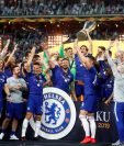 Los jugadores de Chelsea celebran su victoria este miércoles, al final del juego entre Chelsea FC y Arsenal FC por la final de la Liga Europa en el Estadio Olímpico, en Baku (Azerbaiyán). (Foto Prensa Libre: EFE)