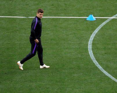 El entrenador del Tottenham, el argentino Mauricio Pochettino, durante el entrenamiento de su equipo en el Wanda Metropolitano. (Foto Prensa Libre: EFE)