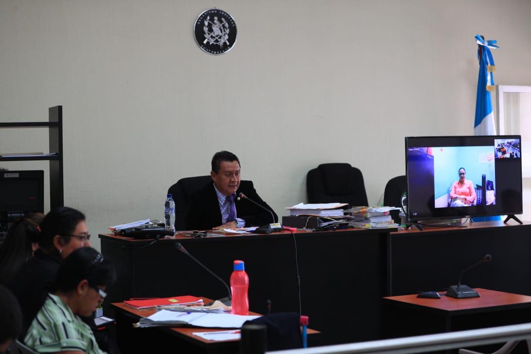 La exvicepresidenta Roxana Baldetti ha seguido este caso por videoconferencia. (Foto Prensa Libre: Carlos Hernández)