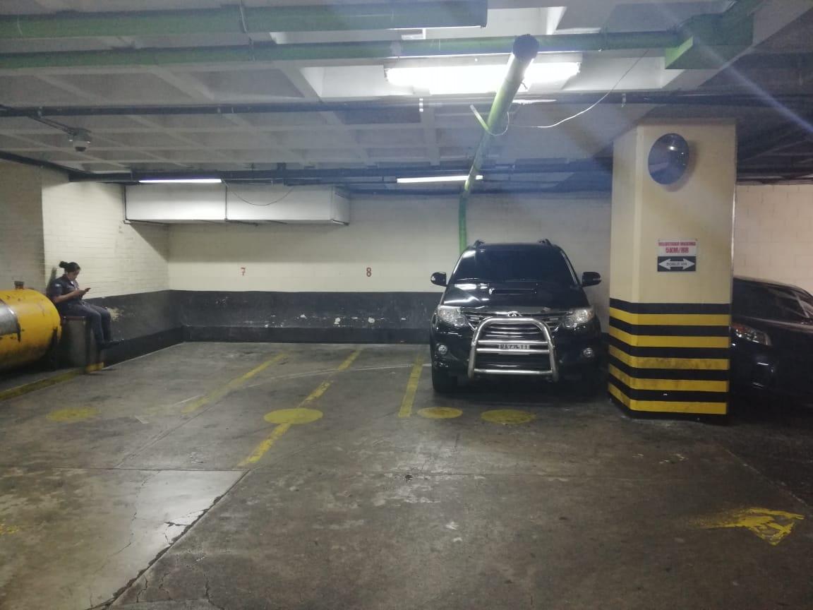 Este es el vehículo que, según el diario elPeriódico, el Ministerio de Gobernación costea para seguridad del juez Víctor Cruz. (Foto Prensa Libre: Kenneth Monzón)