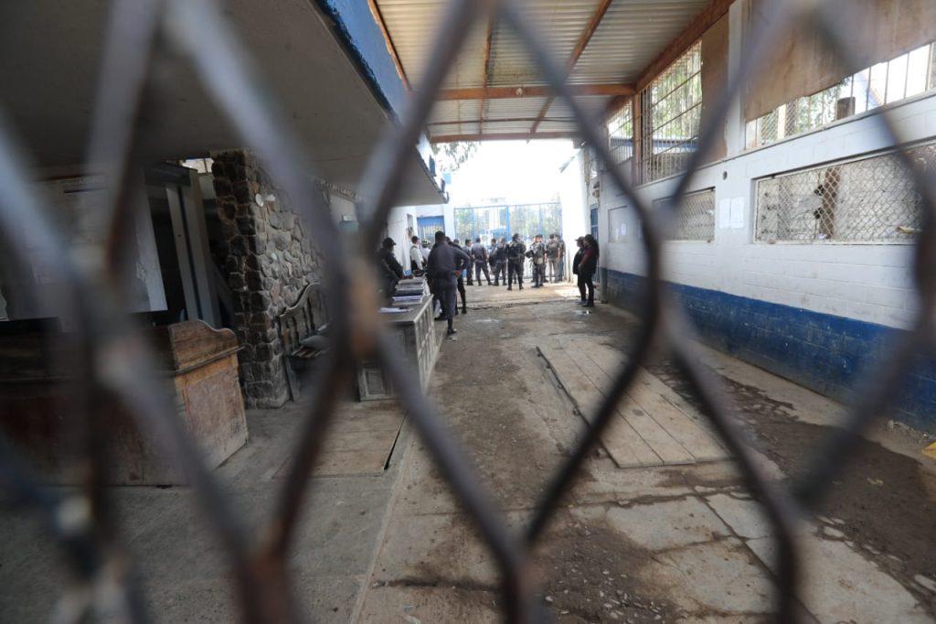 Al llegar constataron que había 10 personas heridas y dos fallecidas. Foto Prensa Libre: Érick Ávila