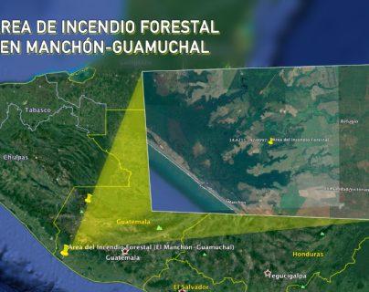 Desde el fin de semana, un incendio forestal consume los manglares en Manchón-Guamuchal, Retalhuleu. (Foto Prensa Libre: Lot Alvarez y Rolando Miranda)