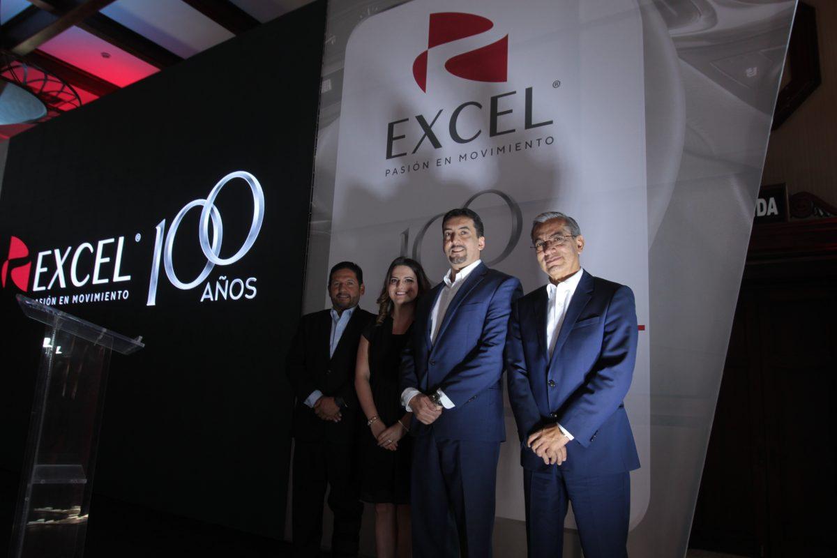 Excel celebra centenario con promoción de 100 meses de crédito en sus marcas de vehículos